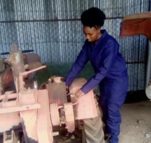Kenya women mechanic